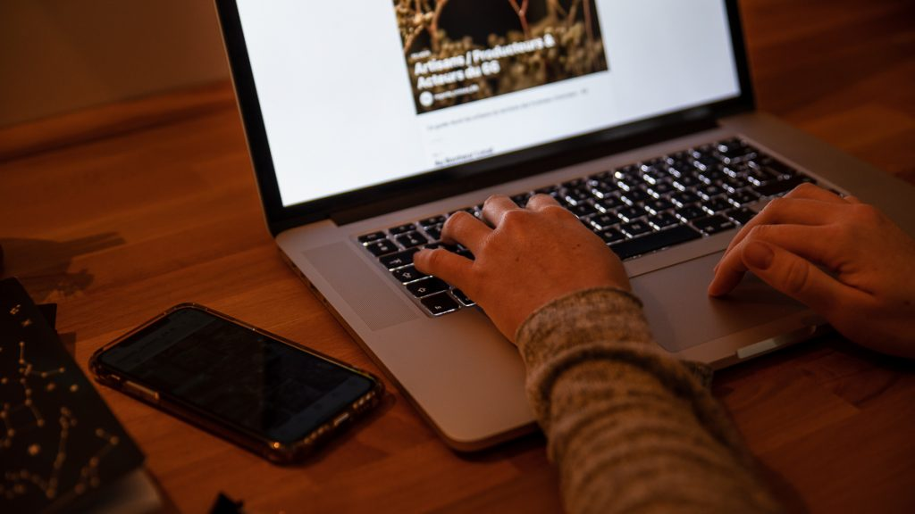 regards croisés stratégie digitale perpignan